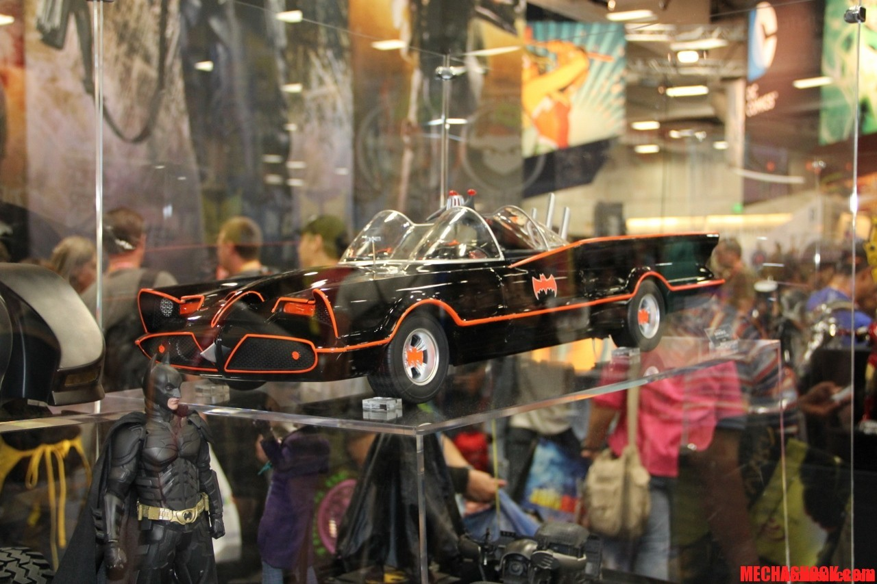Hot Toys SDCC 2012 Display (1)