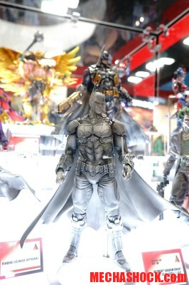 SDCC-2014-Play-Arts-Kai-DC-Comics-017