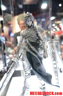 SDCC-2014-Play-Arts-Kai-Final-Fantasy-016