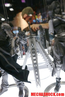 SDCC-2014-Play-Arts-Kai-Final-Fantasy-019